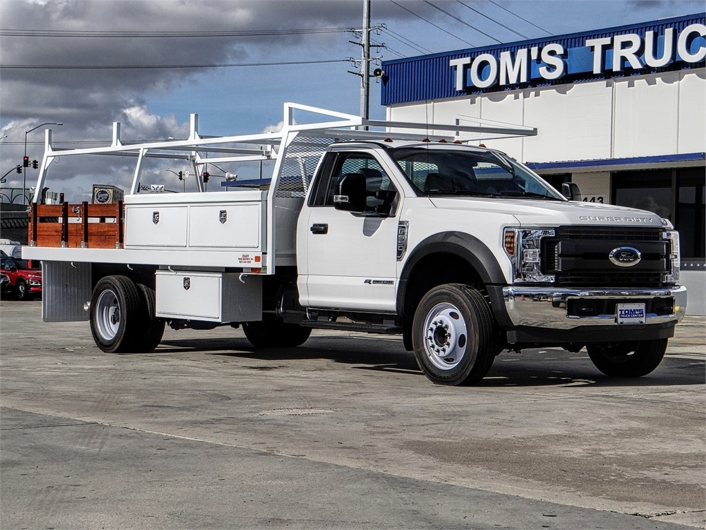 New 2019 Ford SUPER DUTY F-550 DRW 205