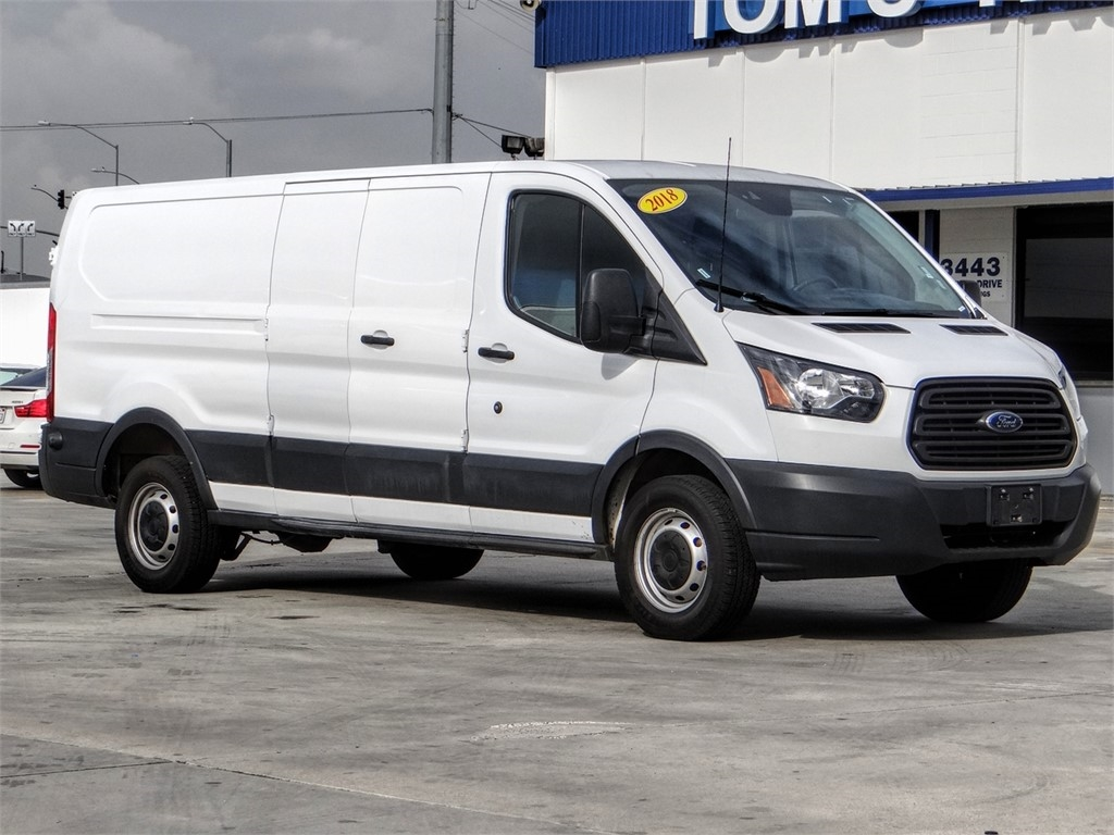 Pre-Owned 2018 Ford Transit Van T-250 148 Low Rf 9000 GVWR Swing-Out RH Dr