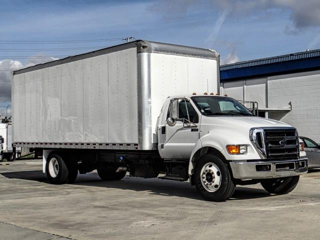 Pre-Owned 2014 Ford F650