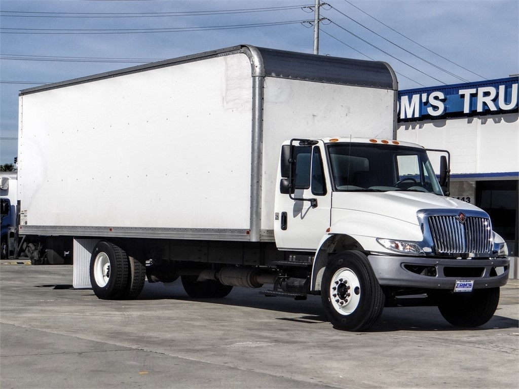Pre-Owned 2016 International 4300